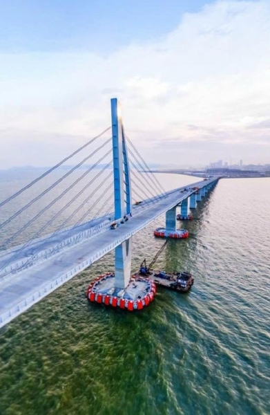 港珠澳大桥岛隧工程总设计师是咱扬州人 -都市报道